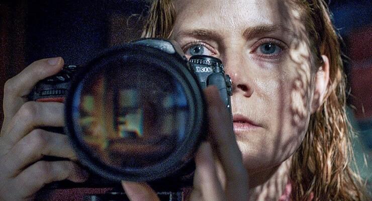 la-donna-finestra-netflix-svela-data-uscita-thriller-amy-adams-v4-503515